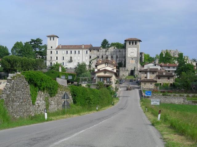 Il castello di Colloredo di Montealbano1111