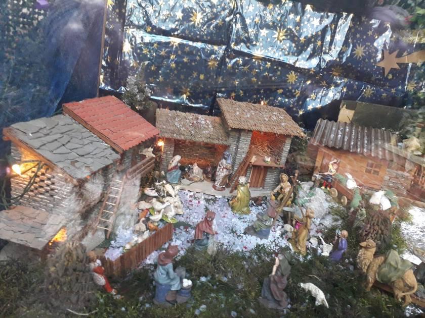 presepe con pietruzze Villanova delle grotte (Lusevera) Udine